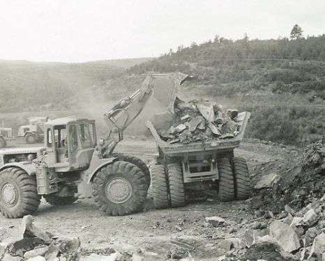 1964, 988 LOADING R-30 IN COLORADO 2