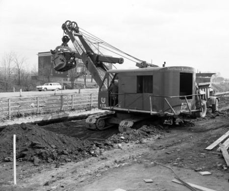 1957 LINKBELT K-370 LOADING R-15 IN NY STATE